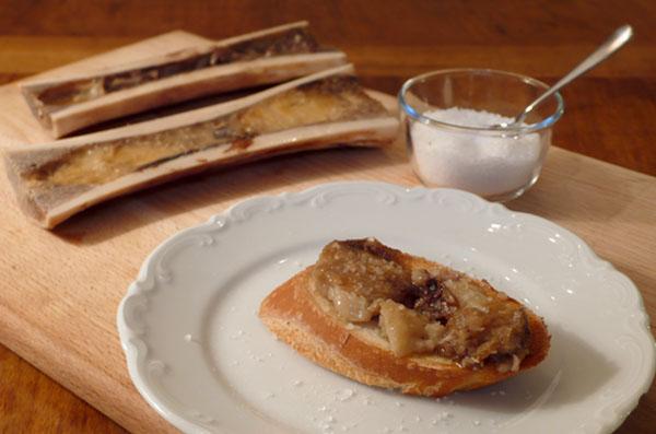 Markbein auf Baguette